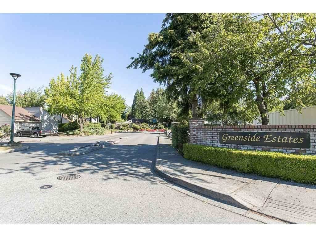 "Main Photo: 6036 W GREENSIDE Drive in Surrey: Cloverdale BC Townhouse for sale in ""Greensides"" (Cloverdale)  : MLS®# R2113372"