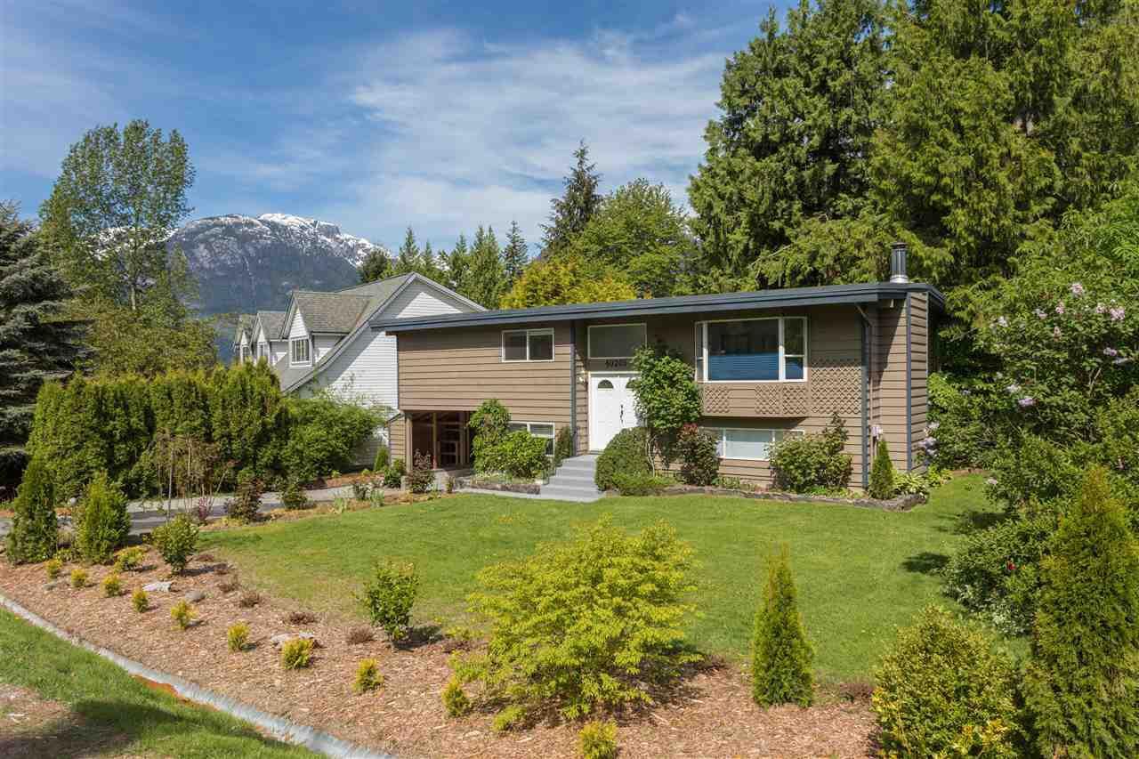 """Main Photo: 40205 KINTYRE Drive in Squamish: Garibaldi Highlands House for sale in """"Garibaldi Highlands"""" : MLS®# R2170328"""