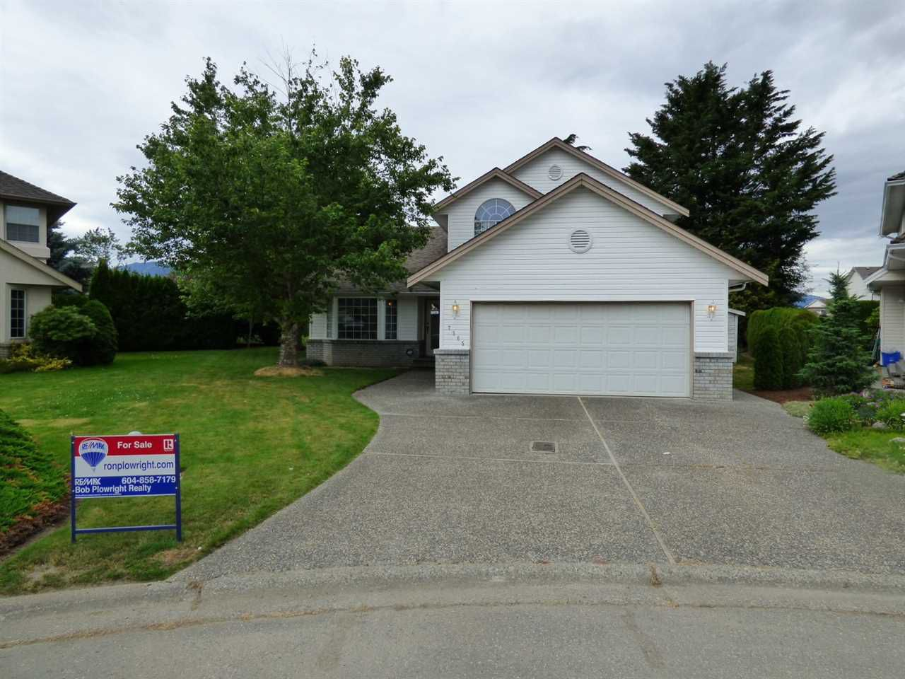 Main Photo: 7565 RUBY Place in Sardis: Sardis West Vedder Rd House for sale : MLS®# R2178101