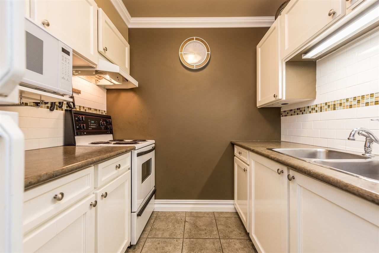 """Main Photo: 162 200 WESTHILL Place in Port Moody: College Park PM Condo for sale in """"Westhill Place"""" : MLS®# R2183765"""