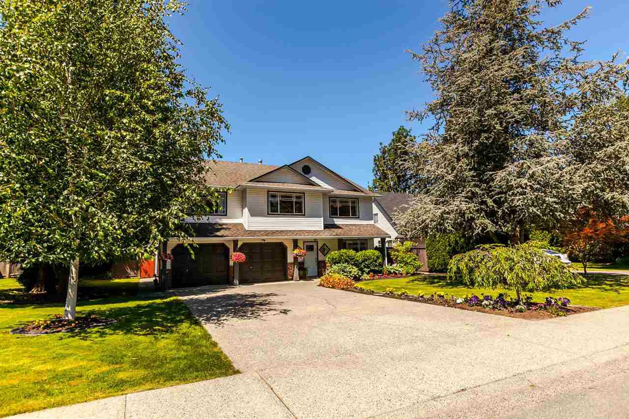 """Main Photo: 5187 219A Street in Langley: Murrayville House for sale in """"Murrayville"""" : MLS®# R2203237"""