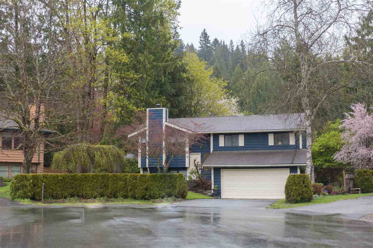 Main Photo: 40624 PIEROWALL PLACE in Squamish: Garibaldi Highlands House for sale : MLS®# R2162897