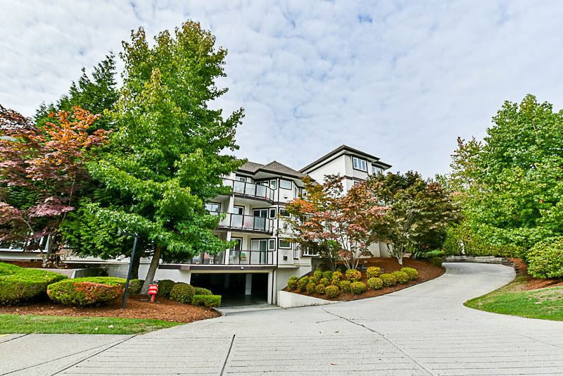 Main Photo: 204 7139 18TH AVENUE in Burnaby: Edmonds BE Condo for sale (Burnaby East)  : MLS®# R2209442