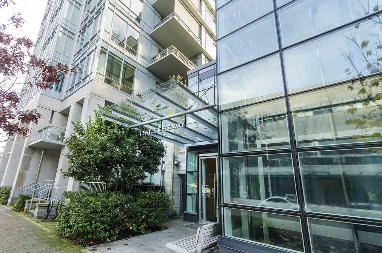 "Main Photo: 405 12 ATHLETES Way in Vancouver: False Creek Condo for sale in ""KAYAK"" (Vancouver West)  : MLS®# R2236470"