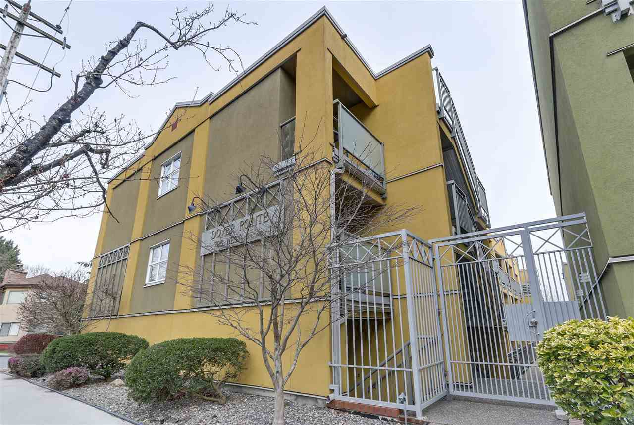 """Main Photo: 34 795 W 8TH Avenue in Vancouver: Fairview VW Condo for sale in """"Dover Pointe"""" (Vancouver West)  : MLS®# R2250633"""