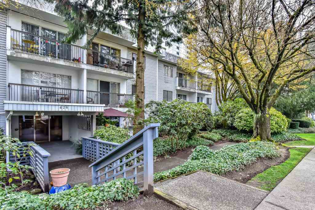 """Main Photo: 408 428 AGNES Street in New Westminster: Downtown NW Condo for sale in """"SHANLEY MANOR"""" : MLS®# R2258526"""