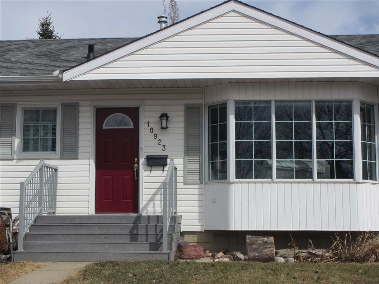 Main Photo: 10923 146 Street in Edmonton: Zone 21 House for sale : MLS®# E4106966