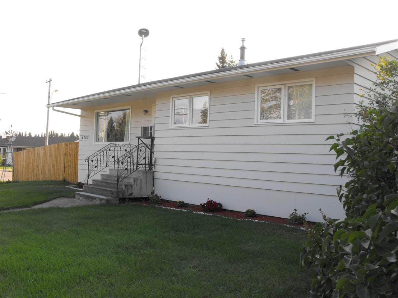 Main Photo: 4702 50 Street: Myrnam House for sale : MLS®# E4127458