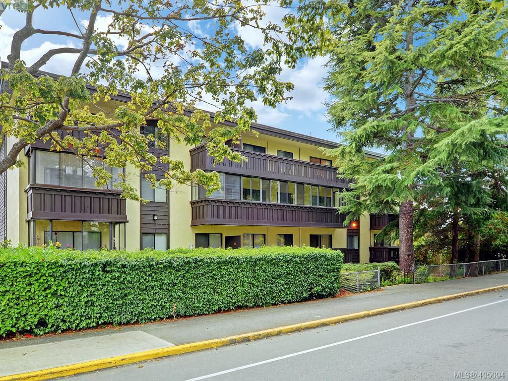 Main Photo: 304 1121 Esquimalt Road in VICTORIA: Es Saxe Point Condo Apartment for sale (Esquimalt)  : MLS®# 405094