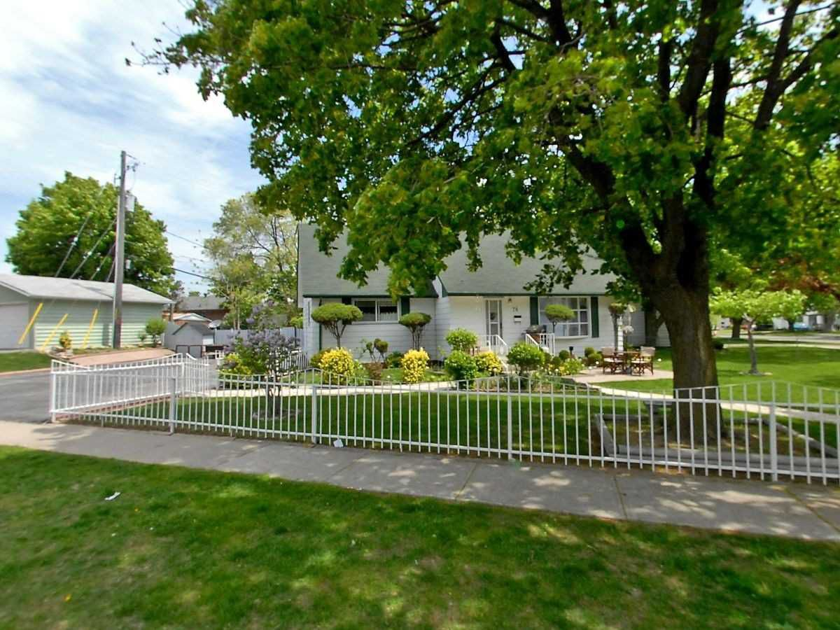 Main Photo: Upper 76 Exeter Road in Ajax: South East House (1 1/2 Storey) for lease : MLS®# E4390266