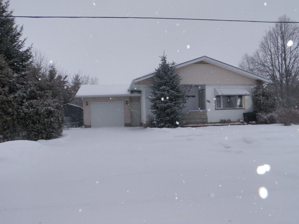 Main Photo: 515 Oak AVE in Beausejour: R03 House for sale (MB)  : MLS®# 1300600