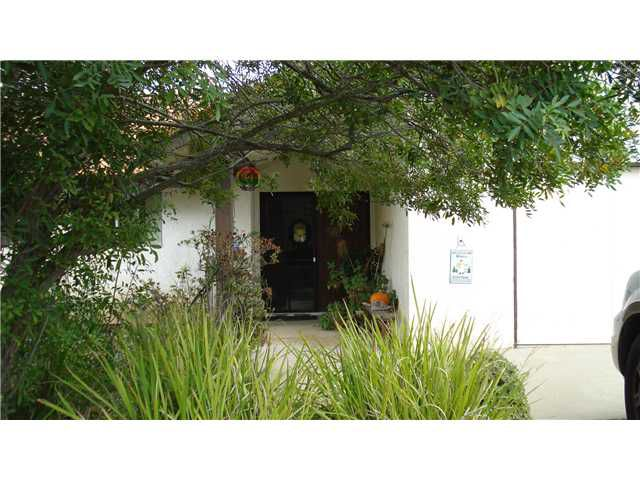 Main Photo: SOUTH ESCONDIDO House for sale : 3 bedrooms : 2630 Alexander Drive in Escondido