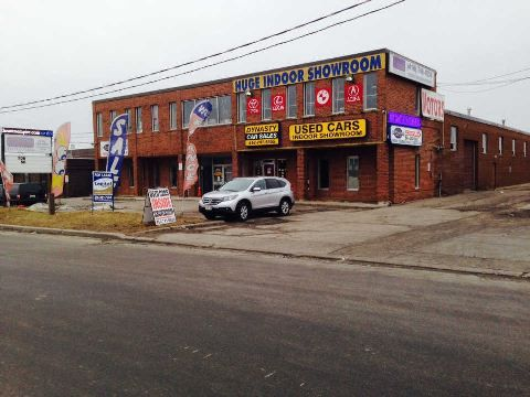 Main Photo: 160 Rossdean Drive in Toronto: Humber Summit Property for lease (Toronto W05)  : MLS®# W2873747