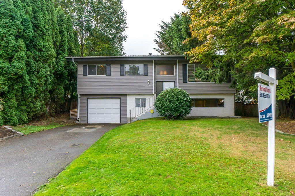 """Main Photo: 2431 ALADDIN Crescent in Abbotsford: Abbotsford East House for sale in """"McMILLAN"""" : MLS®# R2001283"""