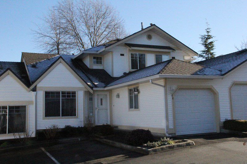 """Main Photo: 46 8737 212 Street in Langley: Walnut Grove Townhouse for sale in """"Chartwell Green"""" : MLS®# R2024055"""