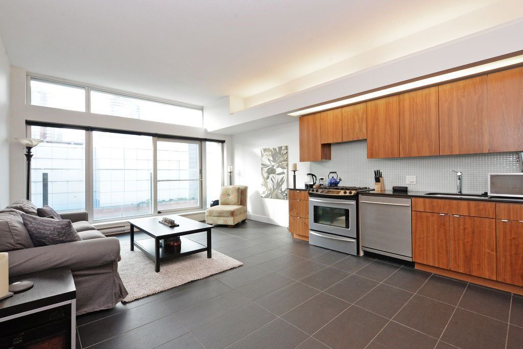 Main Photo: 608 33 W PENDER Street in Vancouver: Downtown VW Condo for sale (Vancouver West)  : MLS®# R2037781