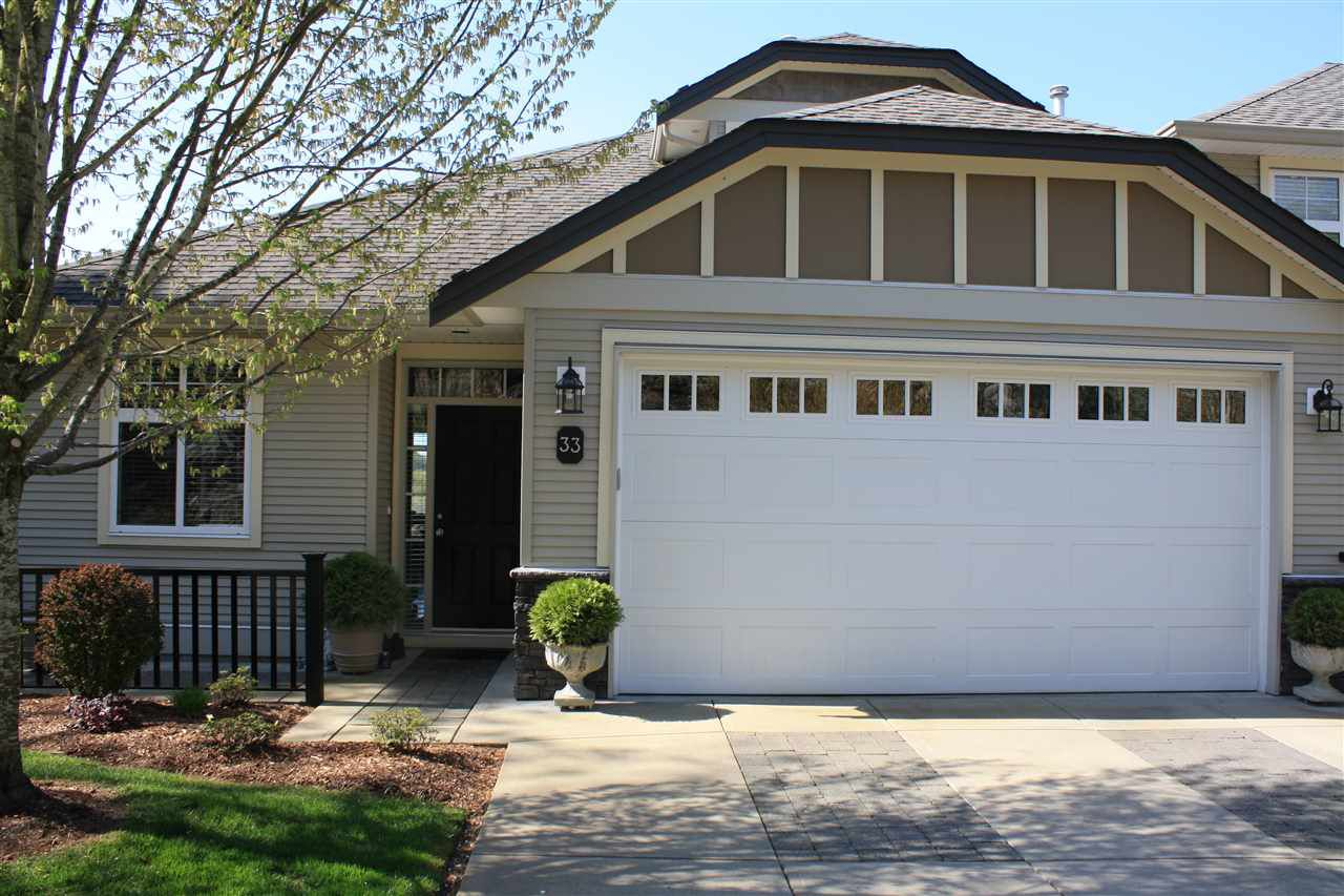 """Main Photo: 33 36260 MCKEE Road in Abbotsford: Abbotsford East Townhouse for sale in """"Kings Gate"""" : MLS®# R2052994"""