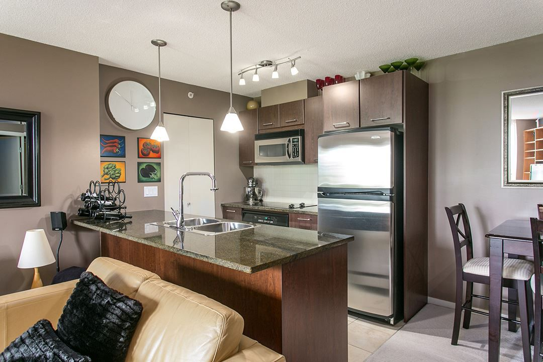 """Main Photo: 203 1199 SEYMOUR Street in Vancouver: Downtown VW Condo for sale in """"BRAVA"""" (Vancouver West)  : MLS®# R2066690"""