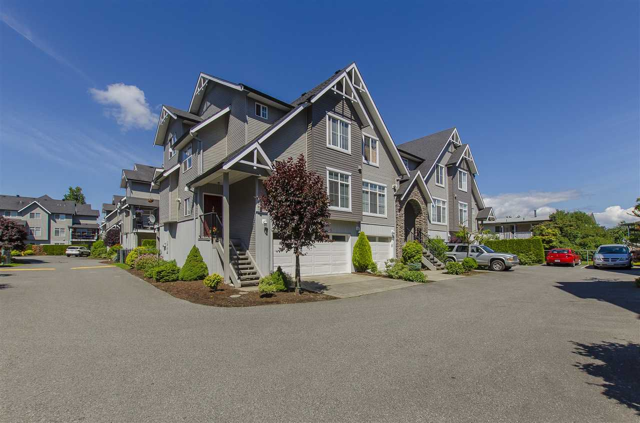 Main Photo: 39 8881 WALTERS Street in Chilliwack: Chilliwack E Young-Yale Townhouse for sale : MLS®# R2075321