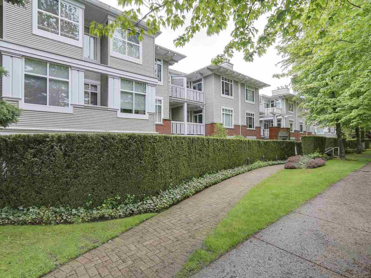 """Main Photo: 207 1675 W 10TH Avenue in Vancouver: Fairview VW Condo for sale in """"NORFOLK HOUSE"""" (Vancouver West)  : MLS®# R2169058"""