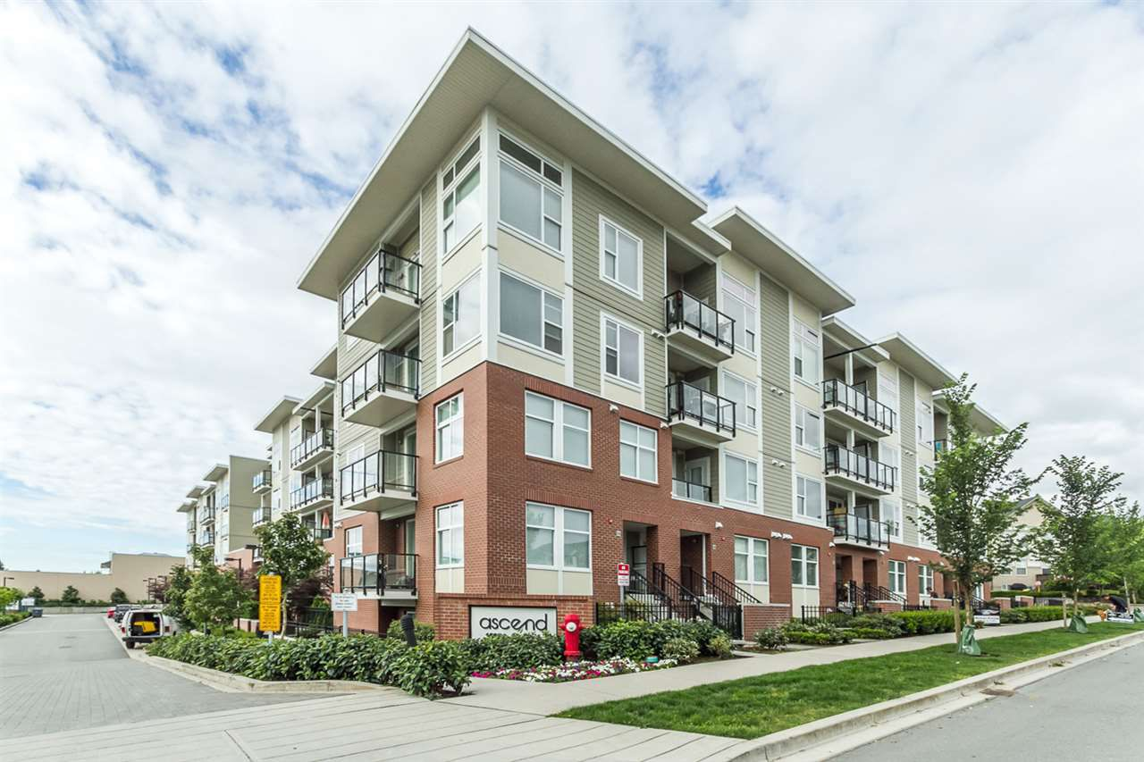 """Main Photo: 325 15956 86A Avenue in Surrey: Fleetwood Tynehead Condo for sale in """"ASCEND"""" : MLS®# R2175717"""