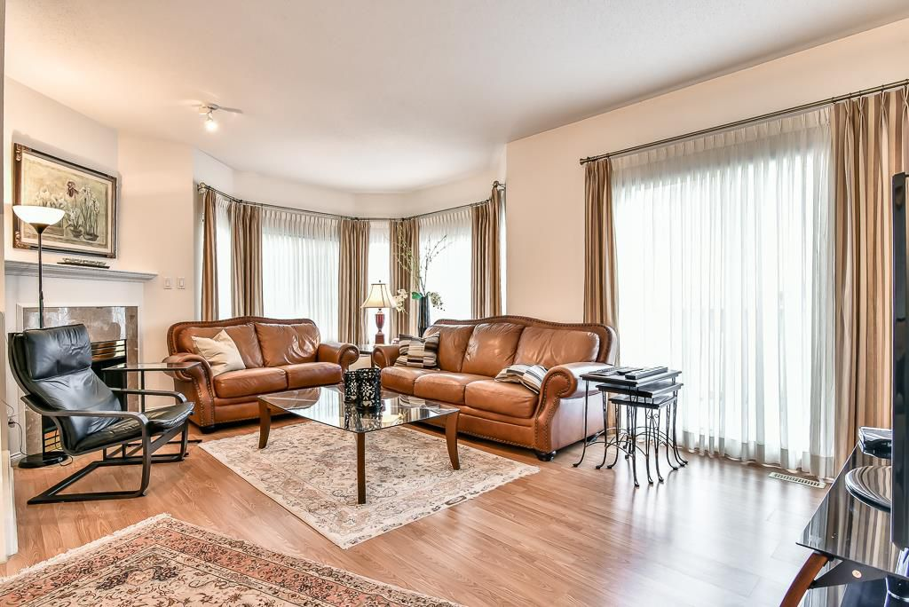 "Main Photo: 15 12411 JACK BELL Drive in Richmond: East Cambie Townhouse for sale in ""FRANCISCO VILLAGE"" : MLS®# R2213738"