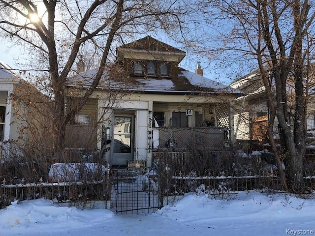 Main Photo: 350 Martin Avenue West in Winnipeg: East Kildonan Residential for sale (3A)  : MLS®# 1803374