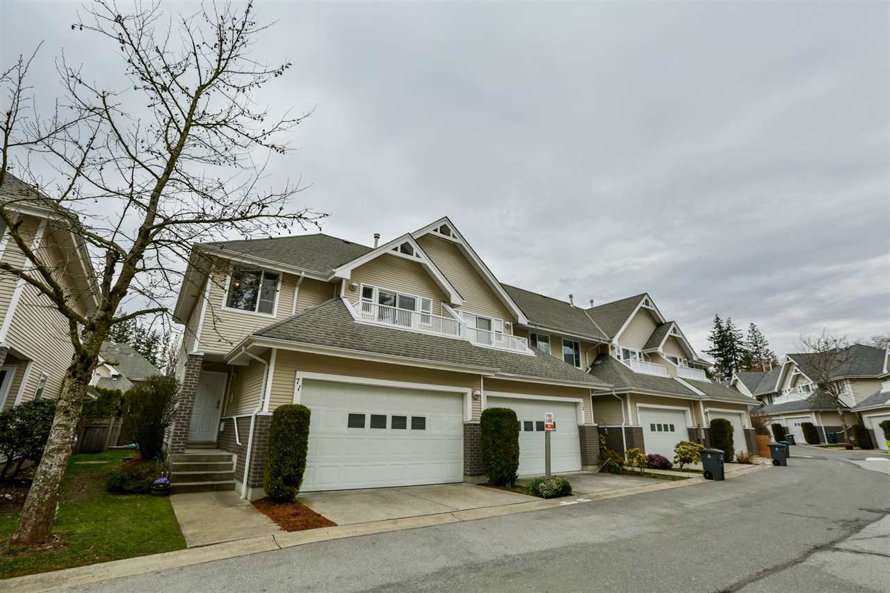 Main Photo: 71 13918 58 AVENUE in : Panorama Ridge Townhouse for sale : MLS®# R2245475