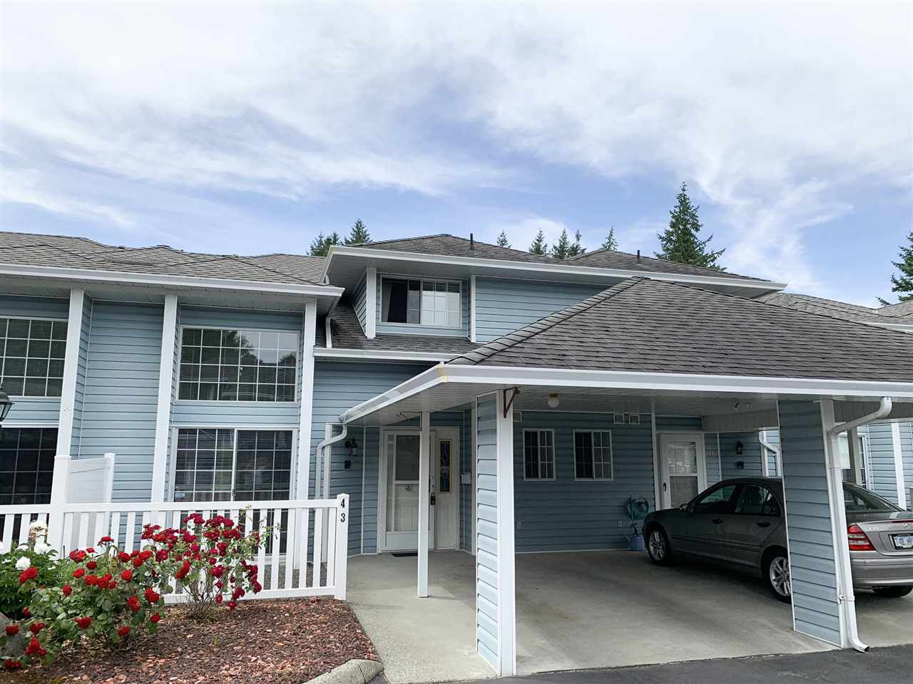 """Main Photo: 43 34899 OLD CLAYBURN Road in Abbotsford: Abbotsford East Townhouse for sale in """"Crown Point Villas"""" : MLS®# R2373675"""