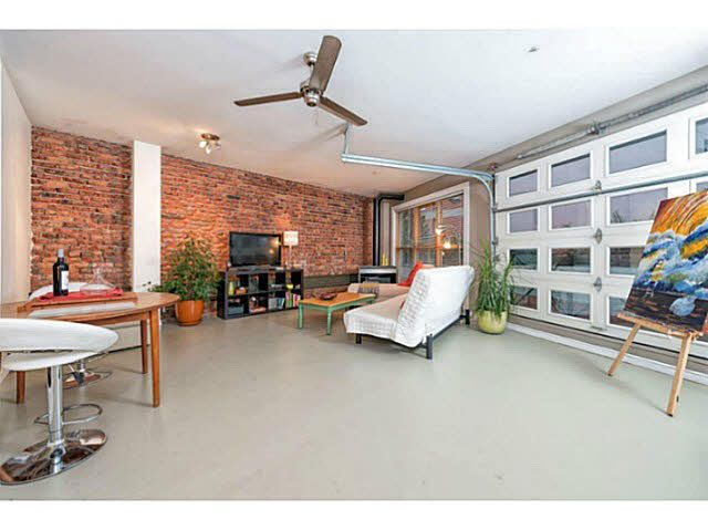 """Main Photo: 202 1230 HAMILTON Street in Vancouver: Yaletown Condo for sale in """"THE COOPERAGE"""" (Vancouver West)  : MLS®# V1038865"""
