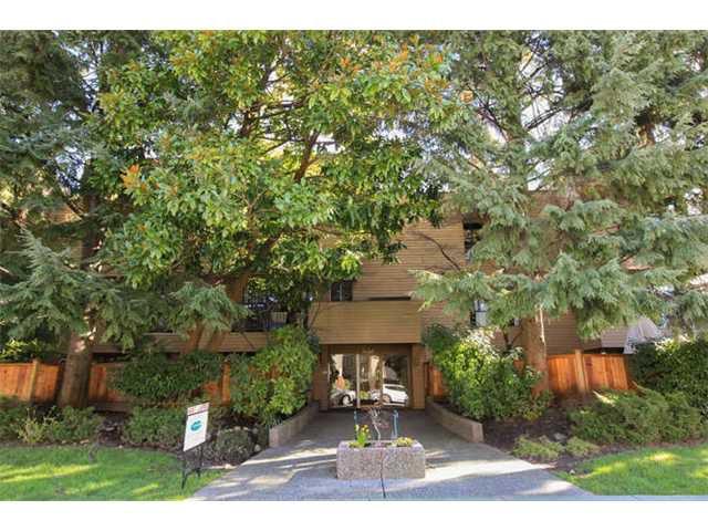Main Photo: 201 1450 LABURNUM Street in Vancouver: Kitsilano Condo for sale (Vancouver West)  : MLS®# V1106595