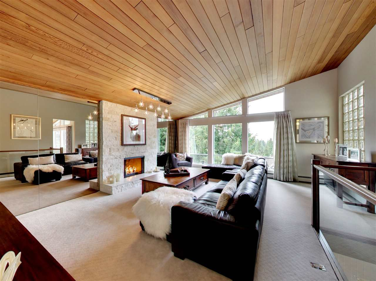 Main Photo: 510 E BRAEMAR Road in North Vancouver: Upper Lonsdale House for sale : MLS®# R2162366