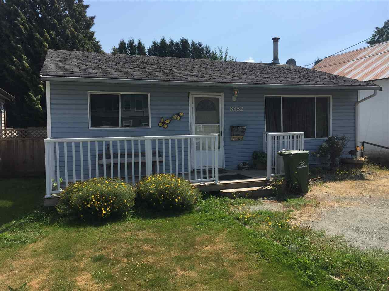 Main Photo: 8852 ELM Drive in Chilliwack: Chilliwack E Young-Yale House for sale : MLS®# R2240532