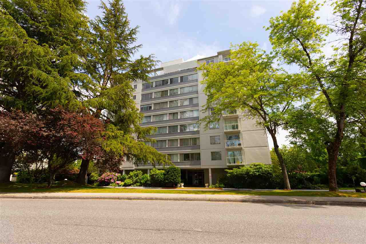 """Main Photo: 102 6076 TISDALL Street in Vancouver: Oakridge VW Condo for sale in """"THE MANSION HOUSE ESTATES LTD."""" (Vancouver West)  : MLS®# R2275870"""