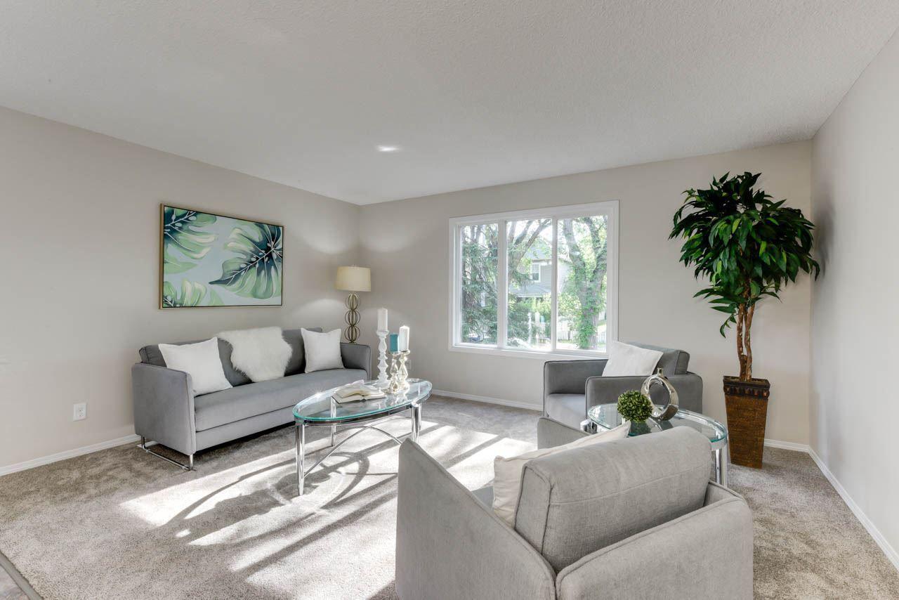 Main Photo: 11840 96 Street in Edmonton: Zone 05 House for sale : MLS®# E4121121