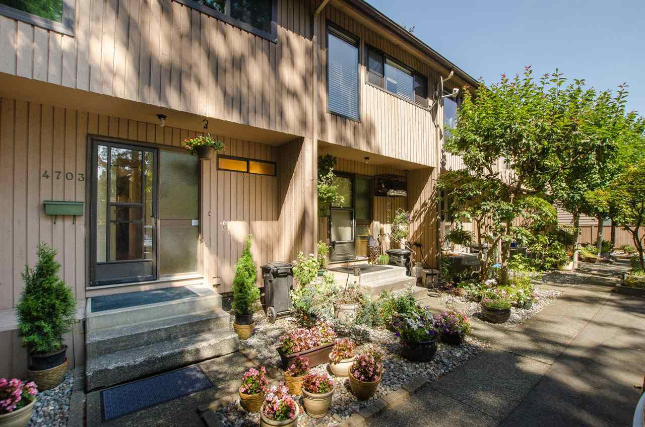 """Main Photo: 4703 DRIFTWOOD Place in Burnaby: Greentree Village Townhouse for sale in """"Greentree Village"""" (Burnaby South)  : MLS®# R2296892"""