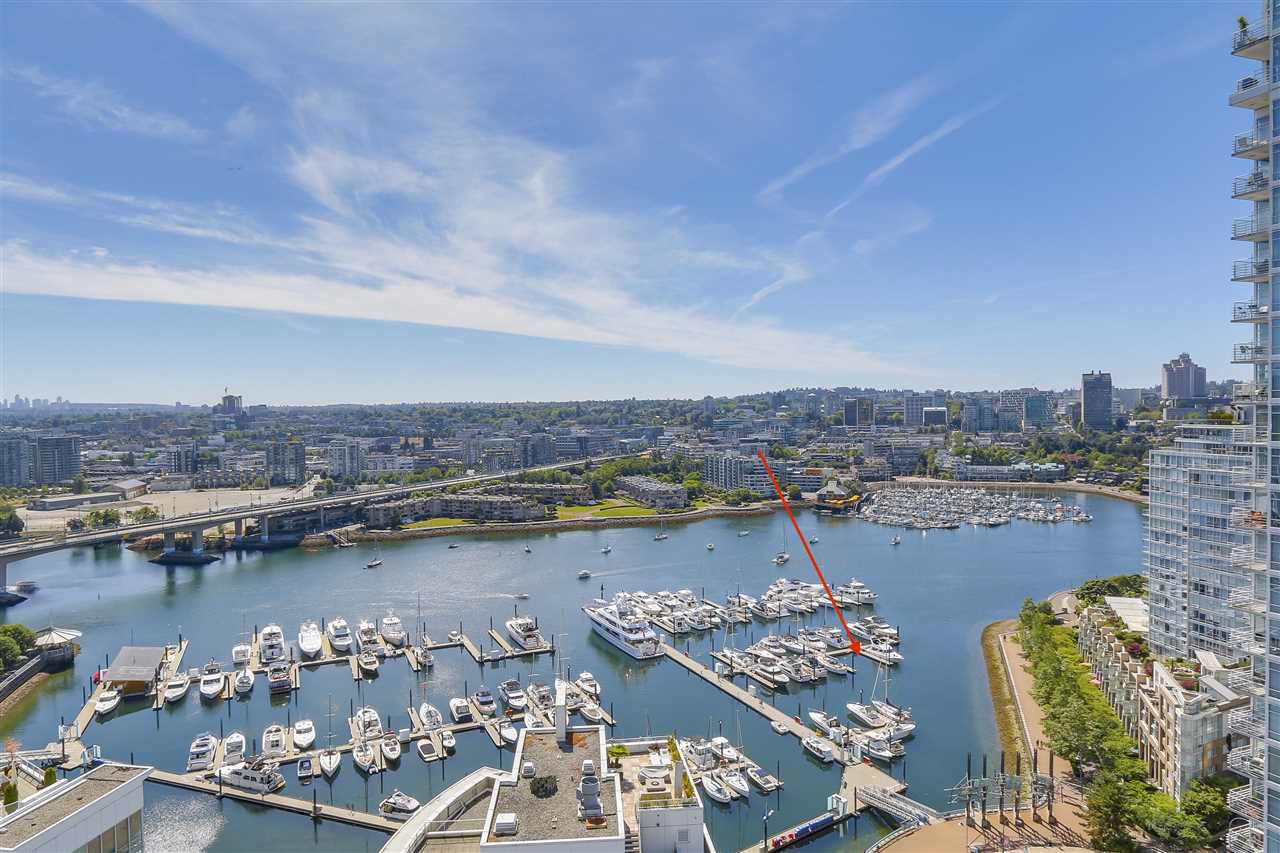 "Main Photo: 29 1088 MARINASIDE Crescent in Vancouver: Yaletown Condo for sale in ""QUAYSIDE MARINA"" (Vancouver West)  : MLS®# R2348250"