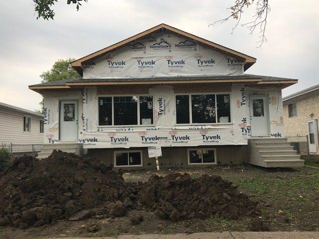 Main Photo: 10436 154 Street in Edmonton: Zone 21 House Half Duplex for sale : MLS®# E4150376