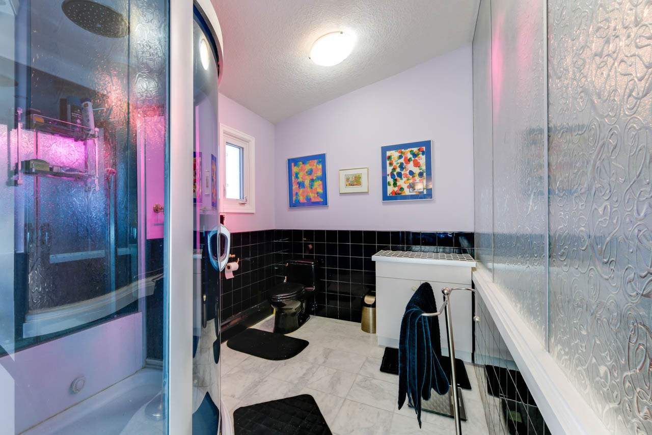 Photo 18: Photos: 95 VALLEYVIEW Crescent in Edmonton: Zone 10 House for sale : MLS®# E4151478
