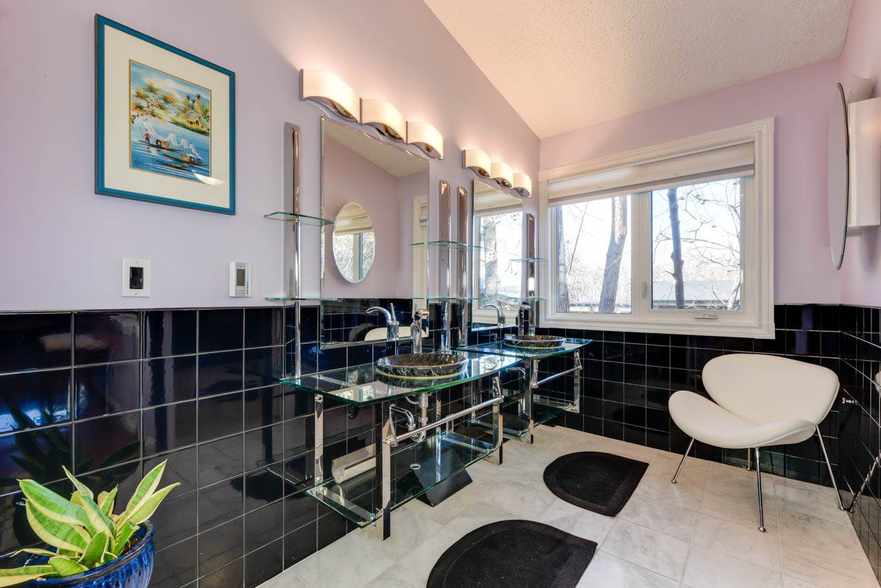 Photo 16: Photos: 95 VALLEYVIEW Crescent in Edmonton: Zone 10 House for sale : MLS®# E4151478
