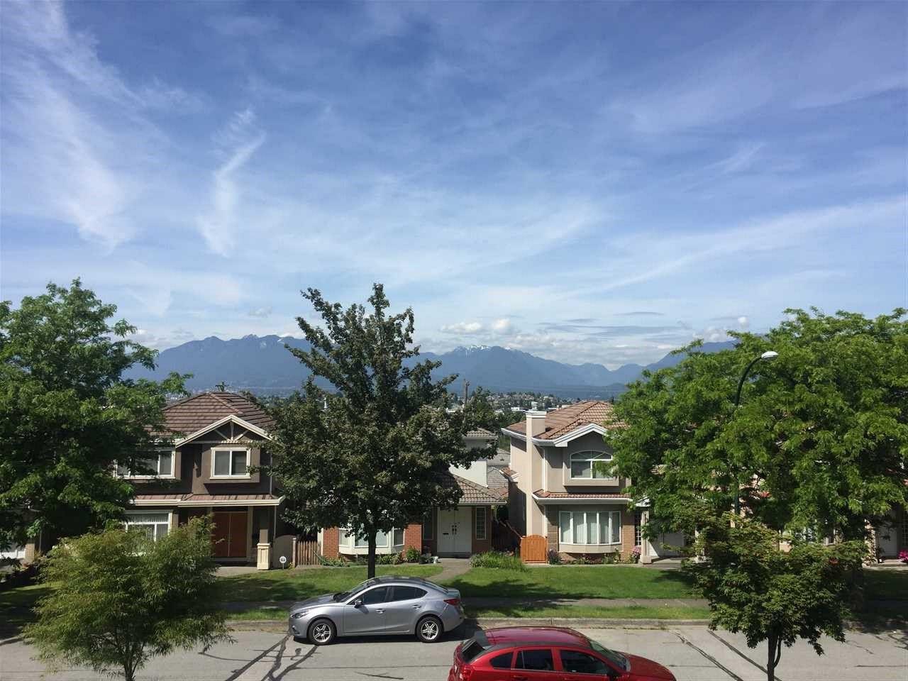"Main Photo: 2836 E 23RD Avenue in Vancouver: Renfrew Heights House for sale in ""RENFREW HEIGHTS"" (Vancouver East)  : MLS®# R2375942"
