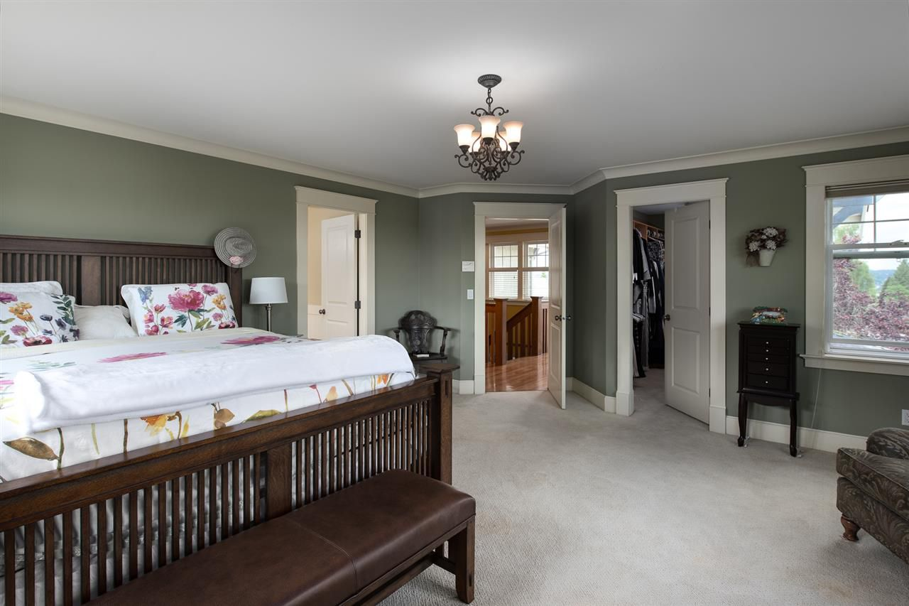 Photo 13: Photos: 902 CHILLIWACK Street in New Westminster: The Heights NW House for sale : MLS®# R2376935