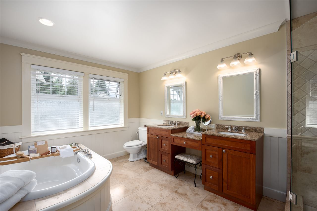 Photo 15: Photos: 902 CHILLIWACK Street in New Westminster: The Heights NW House for sale : MLS®# R2376935