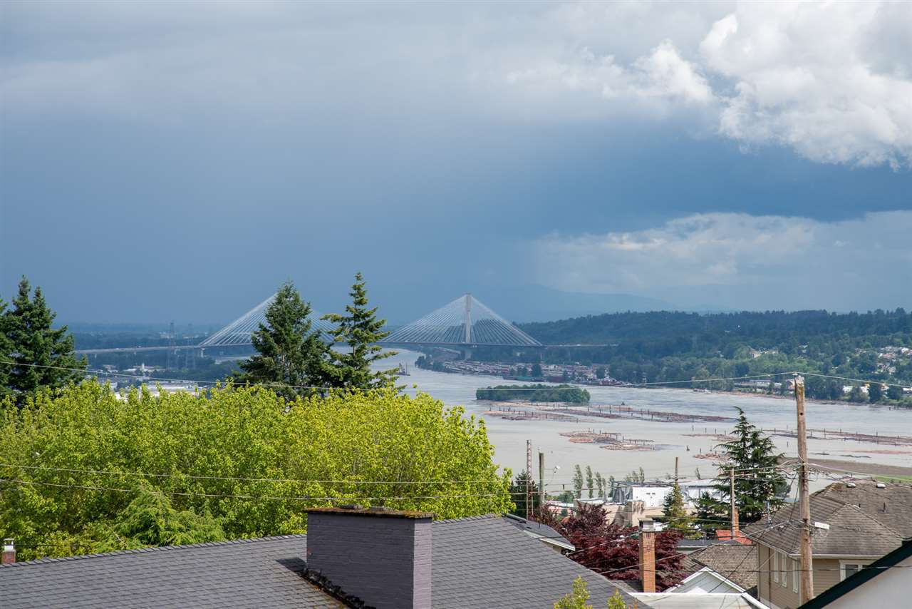 Photo 2: Photos: 902 CHILLIWACK Street in New Westminster: The Heights NW House for sale : MLS®# R2376935