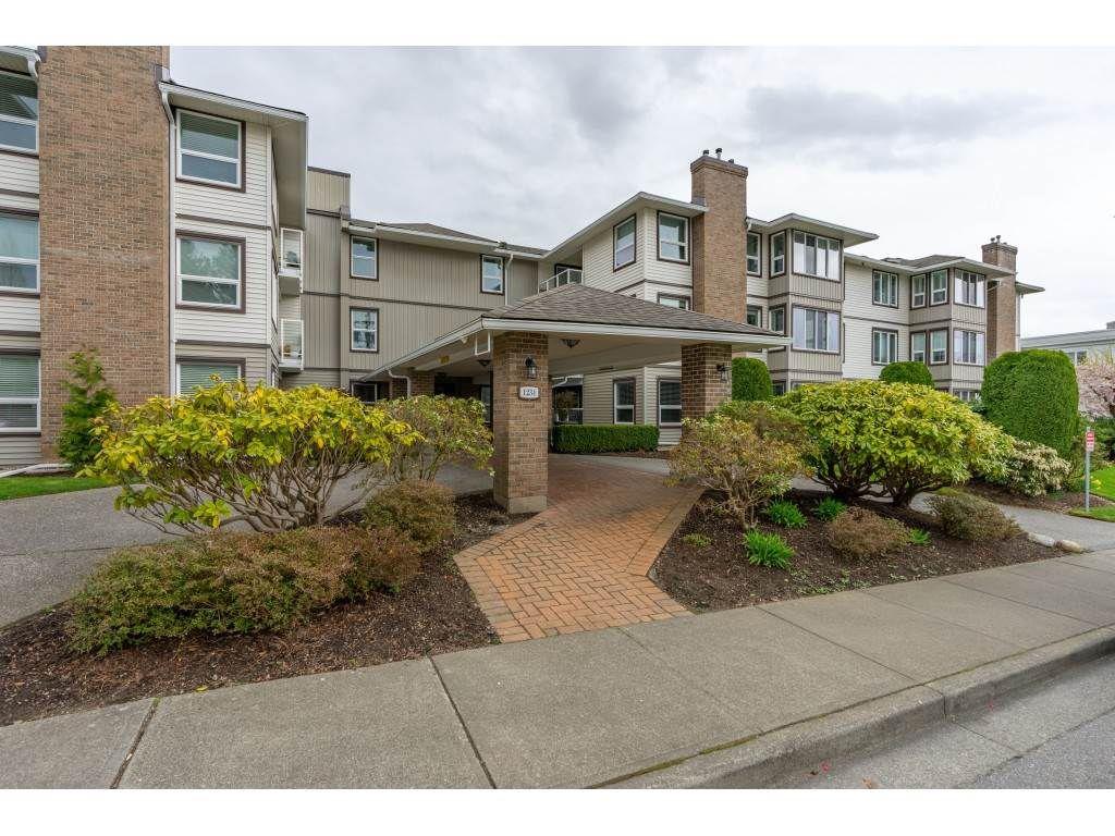 "Main Photo: 307 1234 MERKLIN Street: White Rock Condo for sale in ""Ocean Vista"" (South Surrey White Rock)  : MLS®# R2377781"