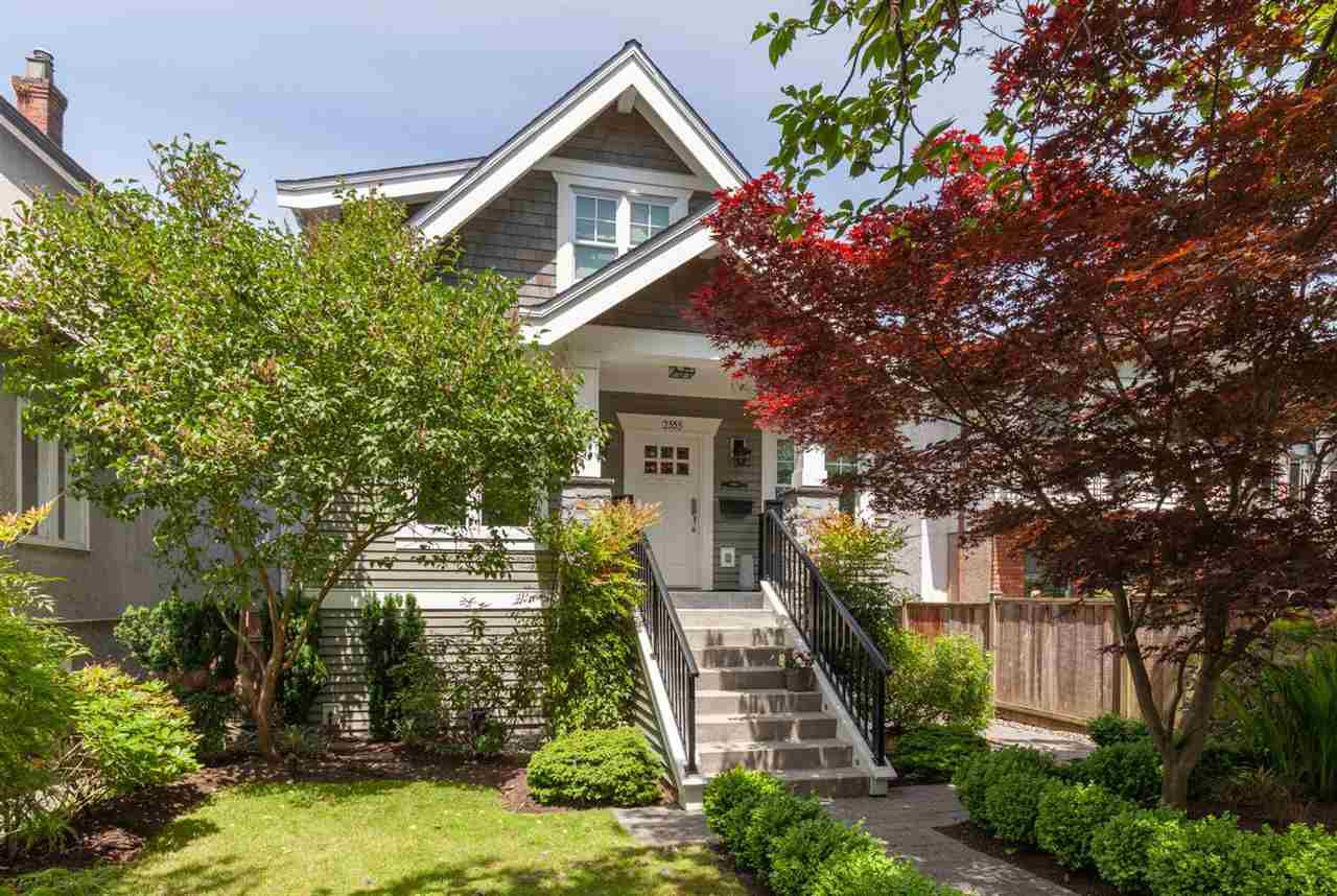 Main Photo: 2555 OXFORD Street in Vancouver: Hastings Sunrise House for sale (Vancouver East)  : MLS®# R2378223