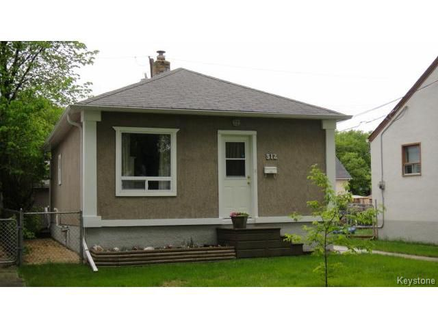 Main Photo: 512 Ravelston Avenue in WINNIPEG: Transcona Residential for sale (North East Winnipeg)  : MLS®# 1412686
