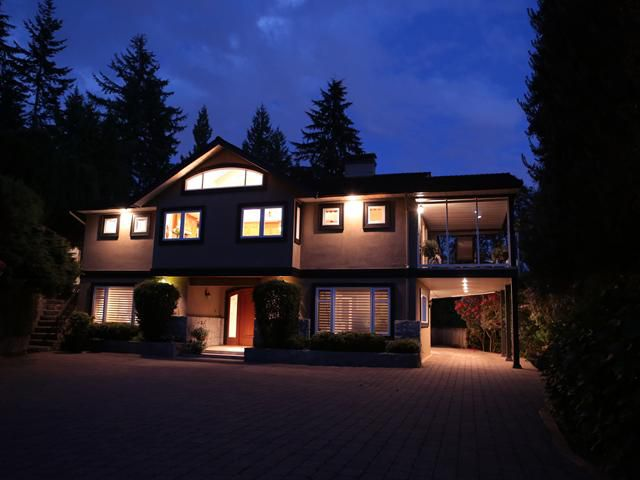 "Main Photo: 3866 LONSDALE Avenue in North Vancouver: Upper Lonsdale House for sale in ""UPPER LONSDALE"" : MLS®# V1123324"