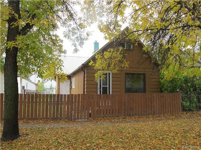 Main Photo:  in WINNIPEG: North End Residential for sale (North West Winnipeg)  : MLS®# 1527634