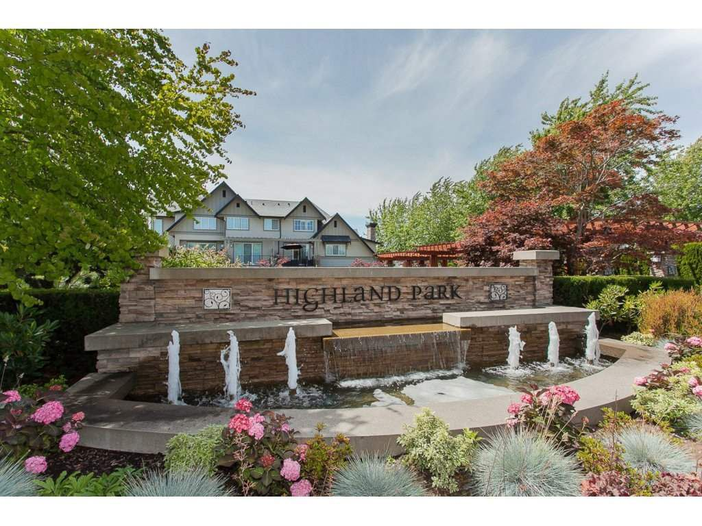 "Main Photo: 132 2501 161A Street in Surrey: Grandview Surrey Townhouse for sale in ""HIGHLAND PARK"" (South Surrey White Rock)  : MLS®# R2120130"